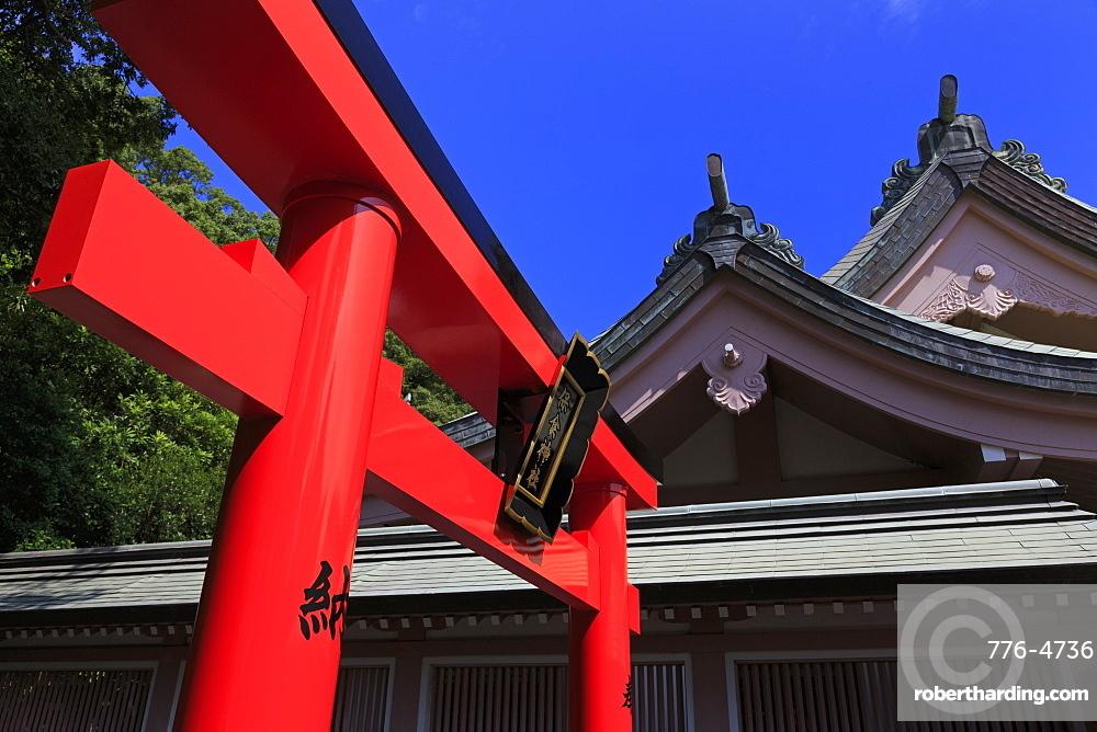 Tori Gate, Terukuni Shrine, Kagoshima City, Kyushu Island, Japan, Asia