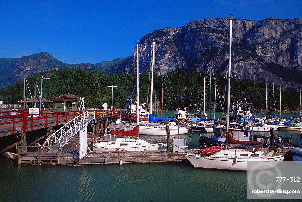 Marina, Squamish Town, west Vancouver, British Columbia, Canada, North America