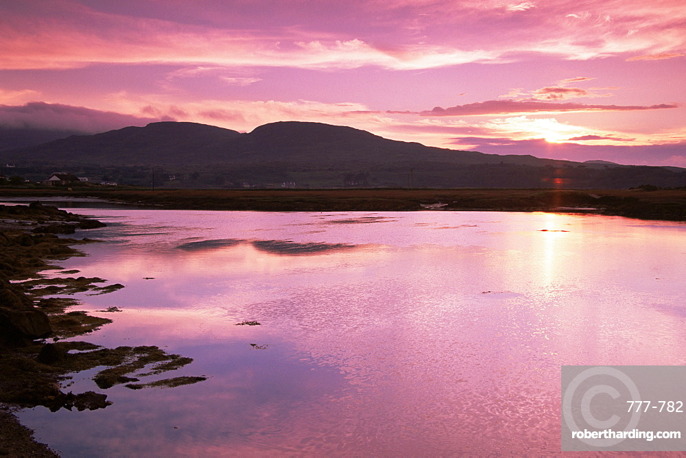 Sunset over Roundstone, County Galway, Connacht, Republic of Ireland, Europe