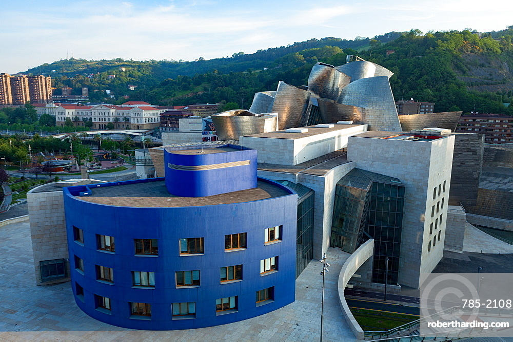 The Guggenheim Museum, designed by Frank Gehry, Bilbao, Biscay (Vizcaya), Basque Country (Euskadi), Spain, Europe