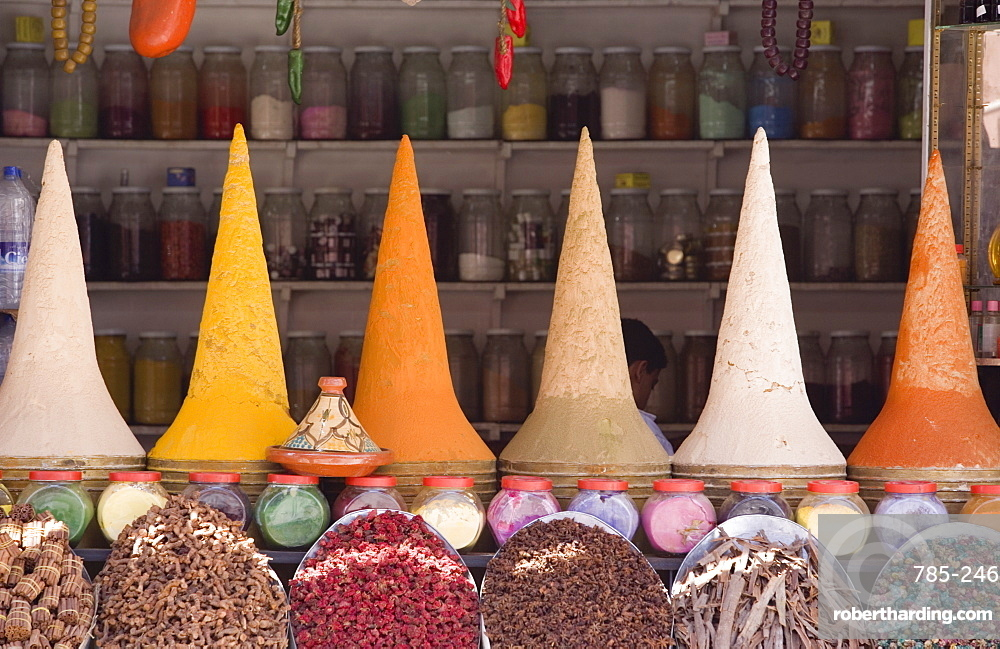 Spice stall in the souk, Medina, Marrakech, Morocco, North Africa, Africa