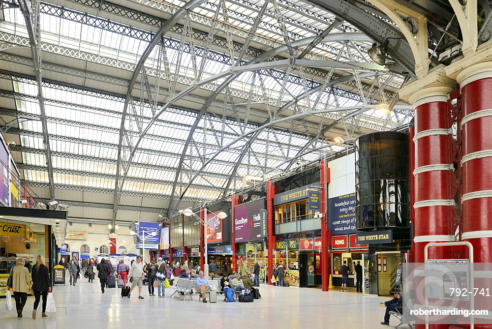 Interior of Lime Street Railway Station, Liverpool, Merseyside, England, United Kingdom, Europe