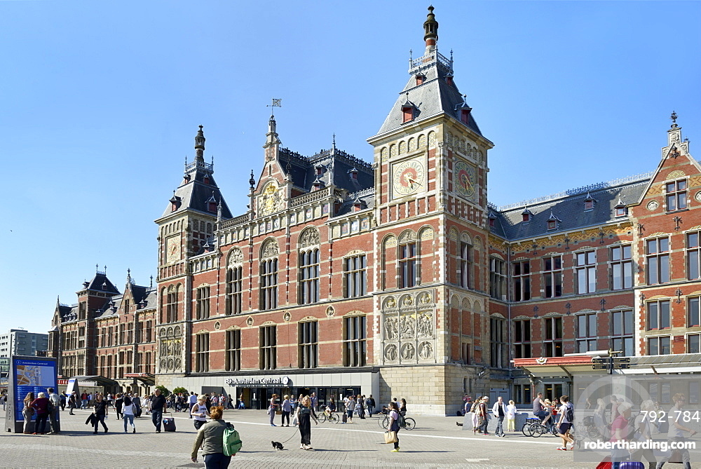 Central Railway Station, Stationsplein, Amsterdam, North Holland, Netherlands, Europe
