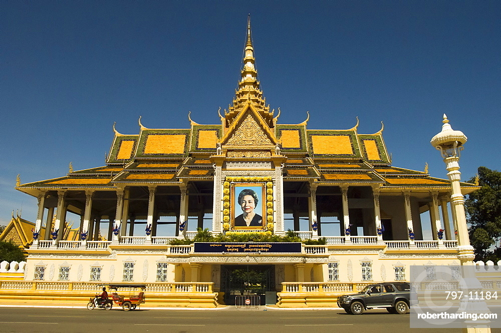 Cambodia, Phnom Penh, Queen Mother portrait at entrance to Royal palace.