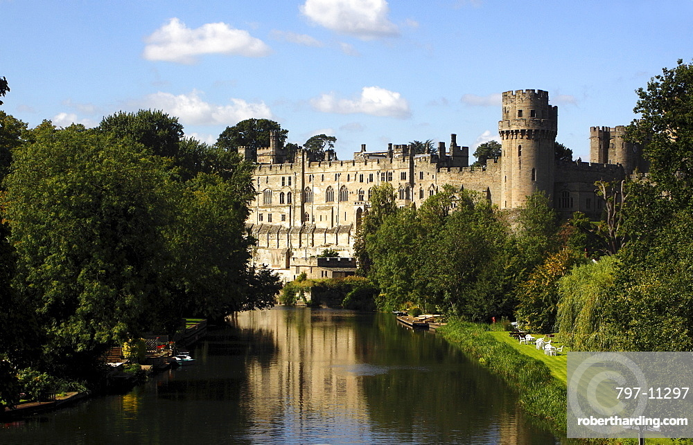 England, Warwickshire, Warwick, Castle built on the banks of the River Avon.