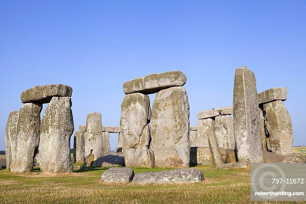 England, Wiltshire, Stonehenge, Prehistoric ring of standing stones.