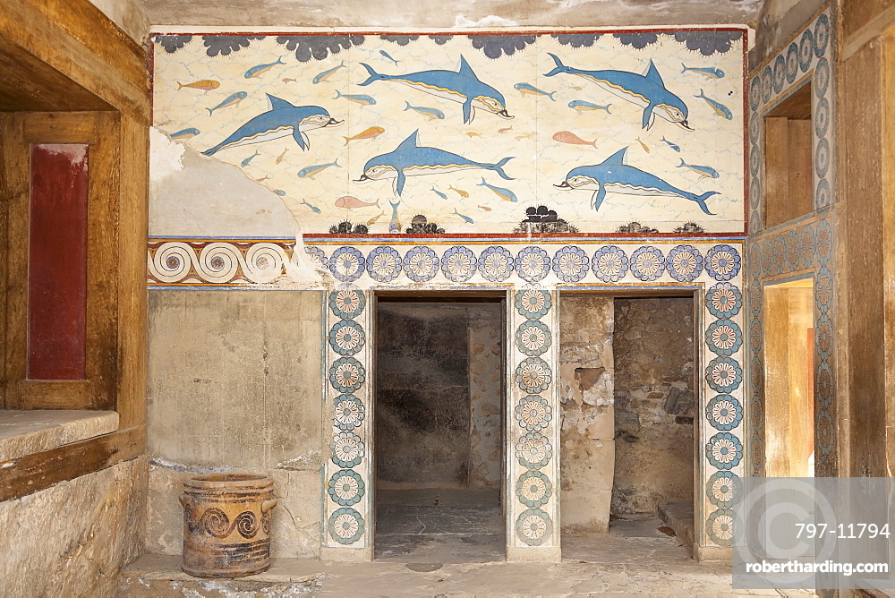 Greece, Crete, Knossos, Dolphin fresco in the Queen's Megaron, Knossos Palace.