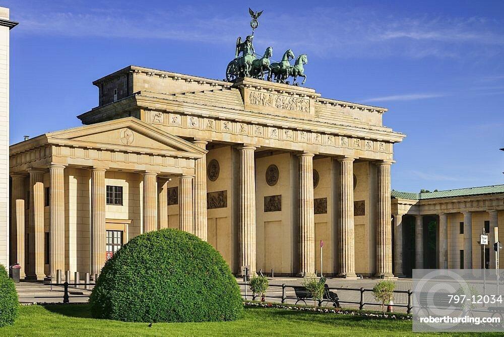 Germany, Berlin, Brandenburg Gate from the east side.