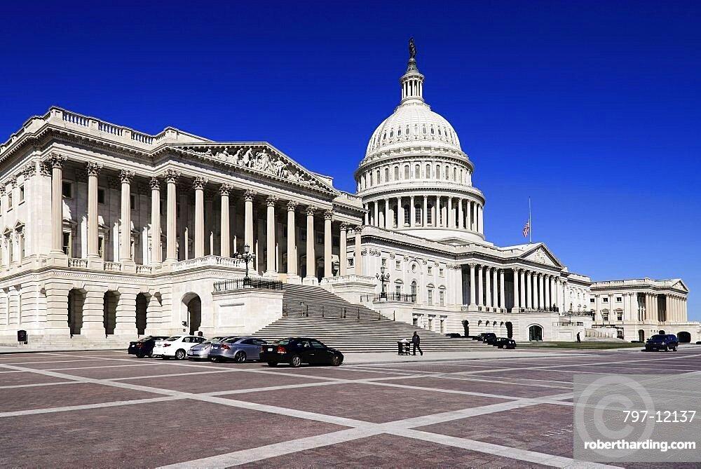 USA, Washington DC, Capitol Building, General exterior view.