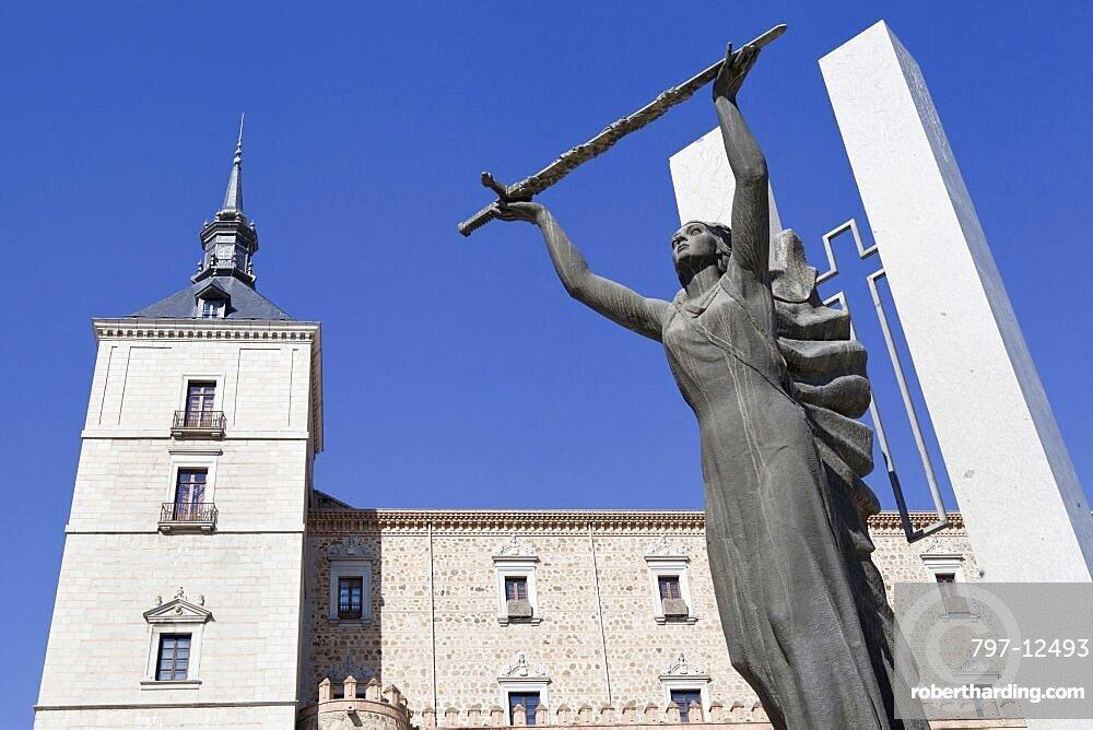 Spain, Castilla La Mancha, Toldeo, Alcazar and Statue of Peace.