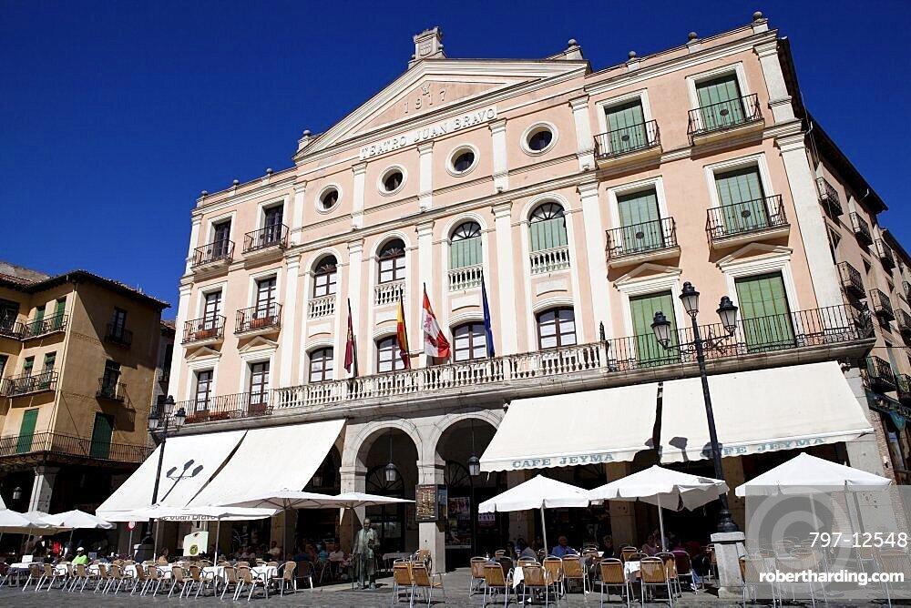 Spain, Castille-Leon, Segovia, Theatre of Juan Bravo in the Plaza Mayor.