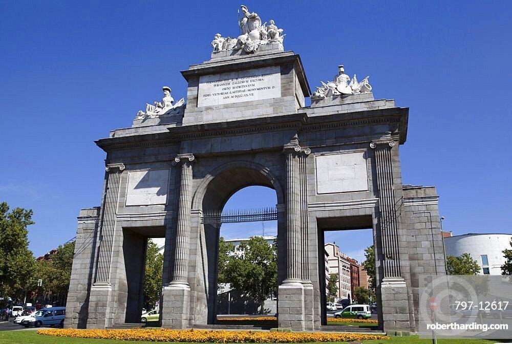 Spain, Madrid, Puerta de Toledo.