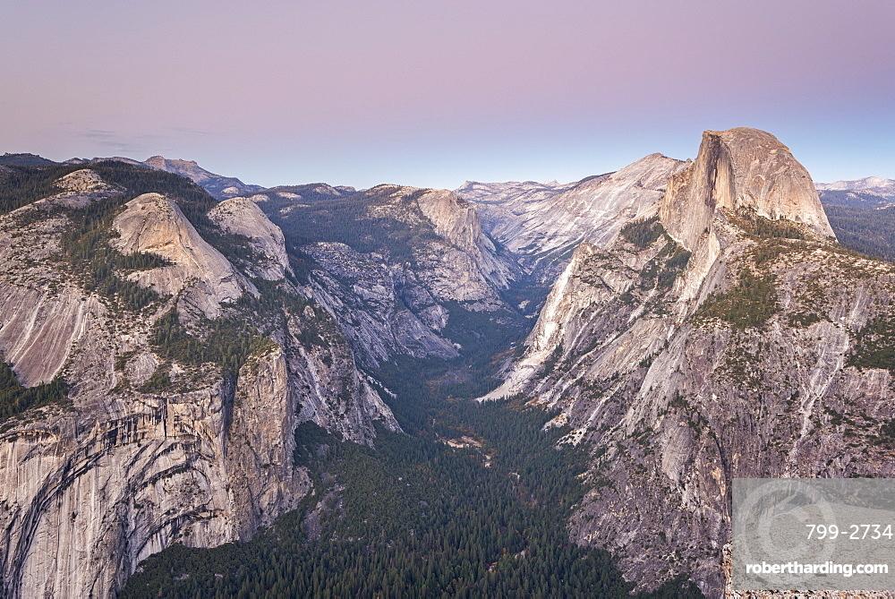 Half Dome and Yosemite Valley from Glacier Point, Yosemite National Park, UNESCO World Heritage Site, California, United States of America, North America