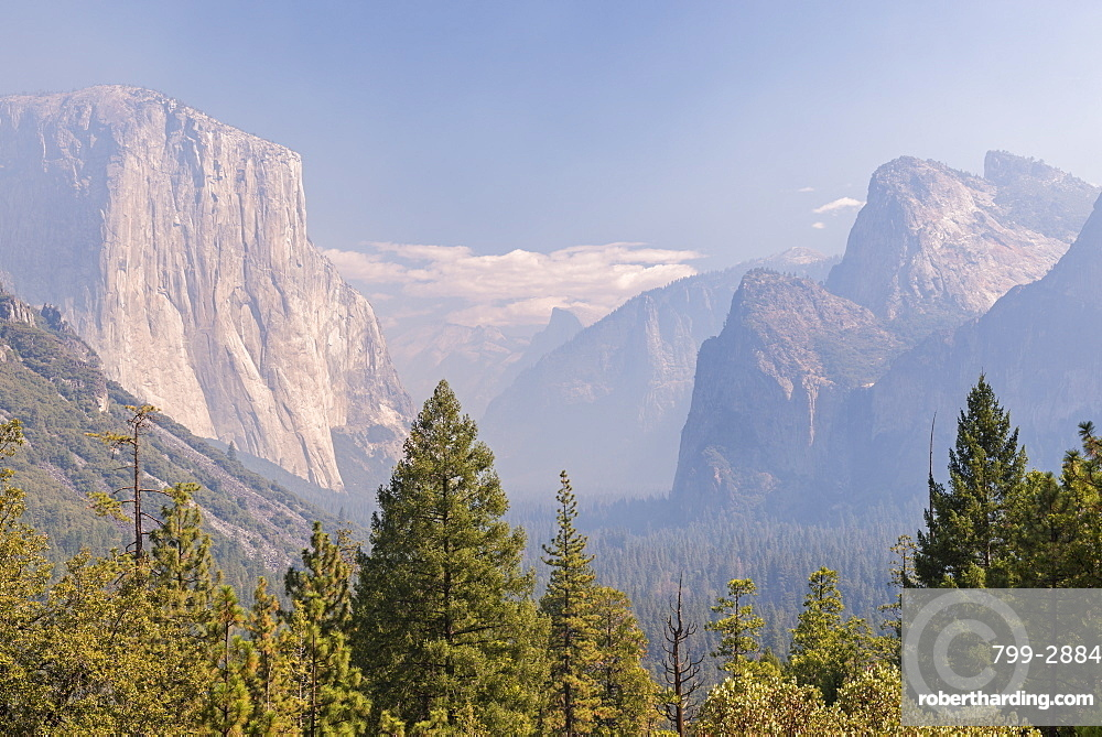 Yosemite Valley choked with smoke from the Dog Rock Wildfire, Yosemite National Park, UNESCO World Heritage Site, California, United States of America, North America