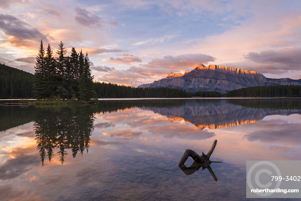 First light illuminates Mount Rundle, and reflects in Two Jack Lake, Banff National Park, UNESCO World Heritage Site, Alberta, Rocky Mountains, Canada, North America