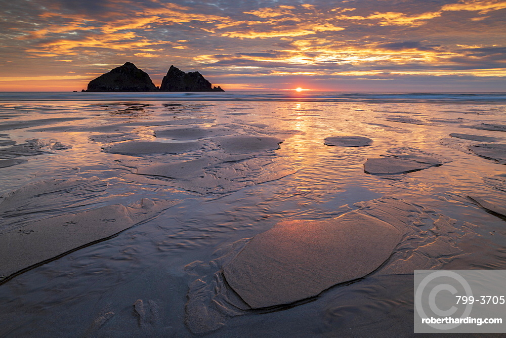 Sunset over Holywell Bay on the North Cornish coast, Cornwall, England, United Kingdom, Europe