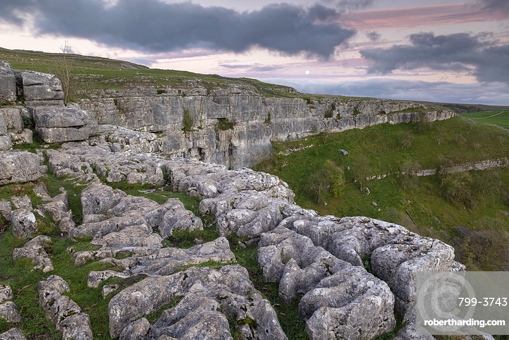 Limestone cliffs above Malham Cove in the Yorkshire Dales National Park, Yorkshire, England, United Kingdom, Europe