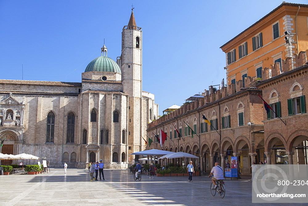 Church of St. Francis in Piazza del Popolo, Ascoli Piceno, Le Marche, Italy, Europe