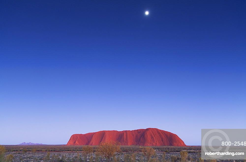 Uluru, UNESCO World Heritage Site, Uluru-Kata Tjuta National Park, Northern Territory, Australia, Pacific