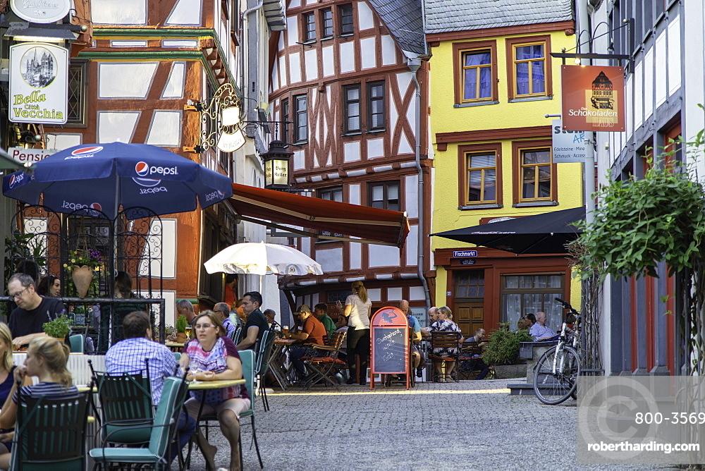 Outdoor restaurants in Fischmarkt, Limburg, Hesse, Germany, Europe