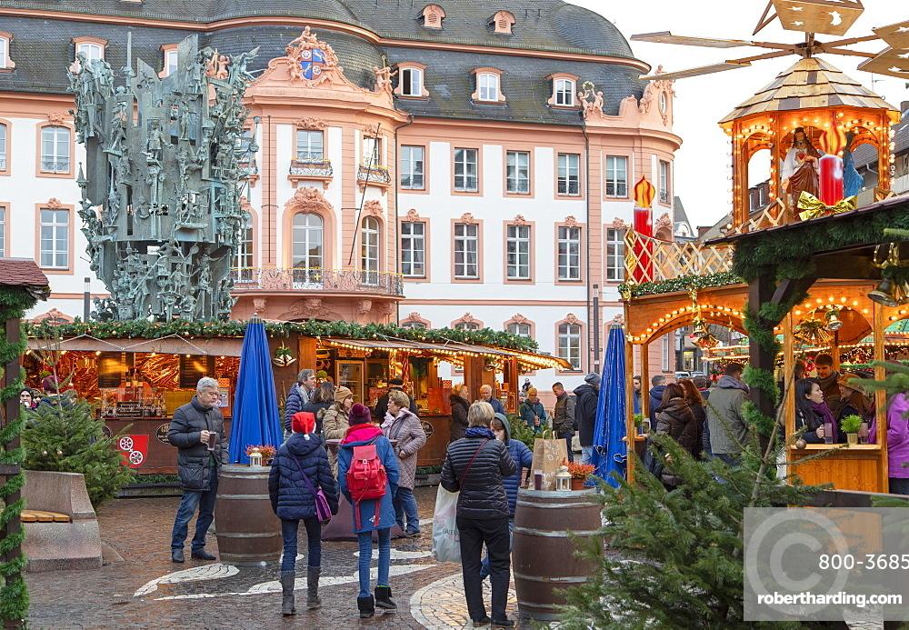 Christmas Market in Schillerplatz, Mainz, Rhineland-Palatinate, Germany, Europe