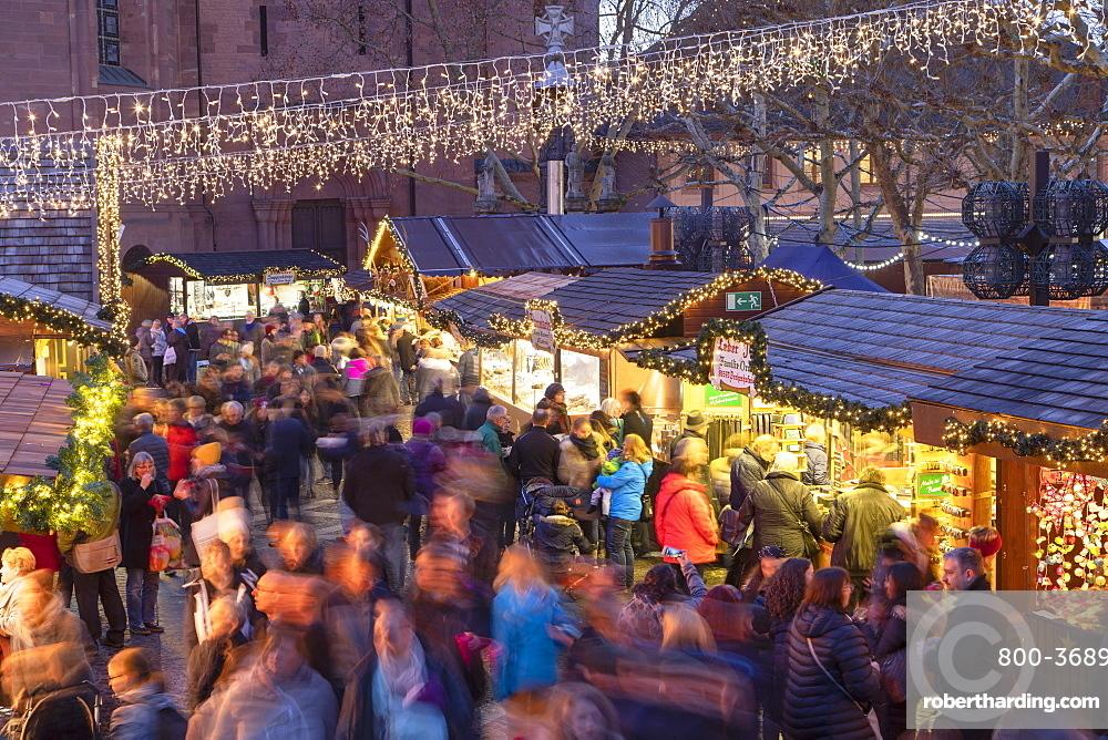 Christmas Market at dusk, Mainz, Rhineland-Palatinate, Germany, Europe