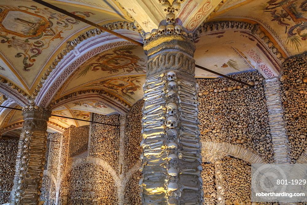 Chapel of Bones, Royal Church of St. Francis, Evora, UNESCO World Heritage Site, Portugal, Europe