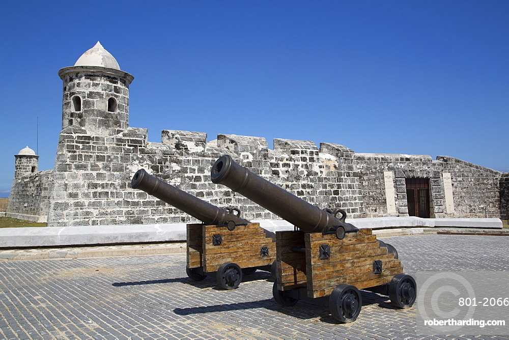 Old cannons, Castillo de San Salvador de la Punta, Central Habana, Havana, Cuba, West Indies, Central America