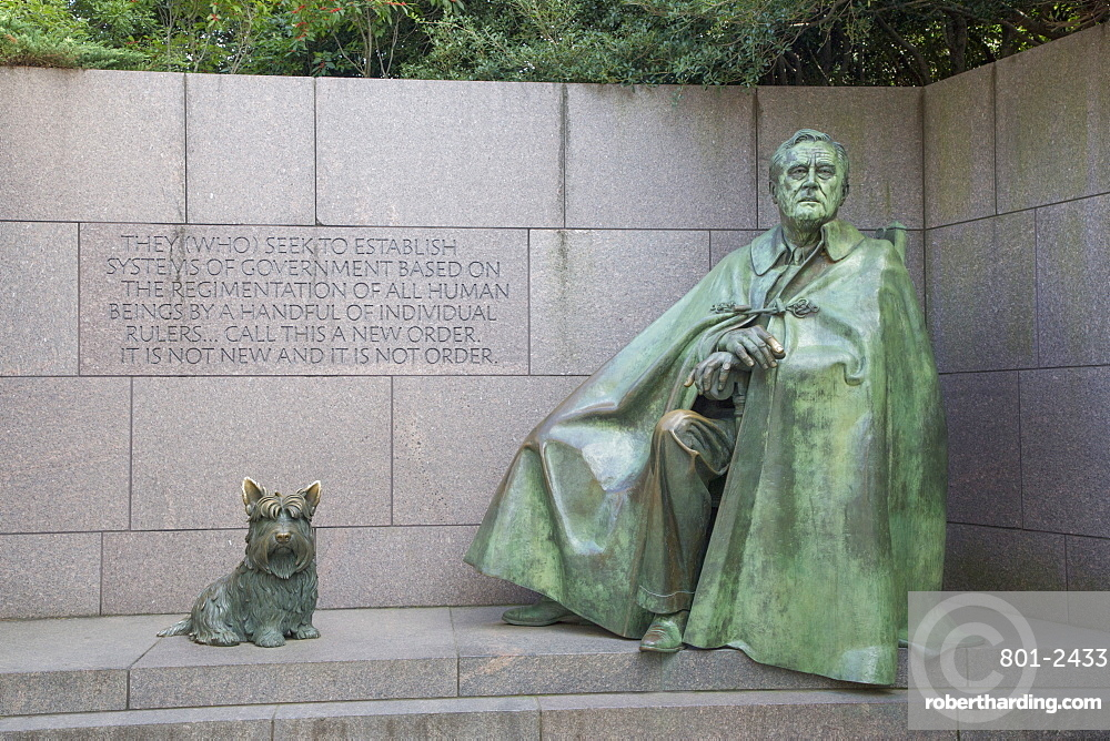 Statue of Roosevelt sitting with dog, Fala, Franklin Delano Roosevelt Memorial, Washington D.C., United States of America, North America