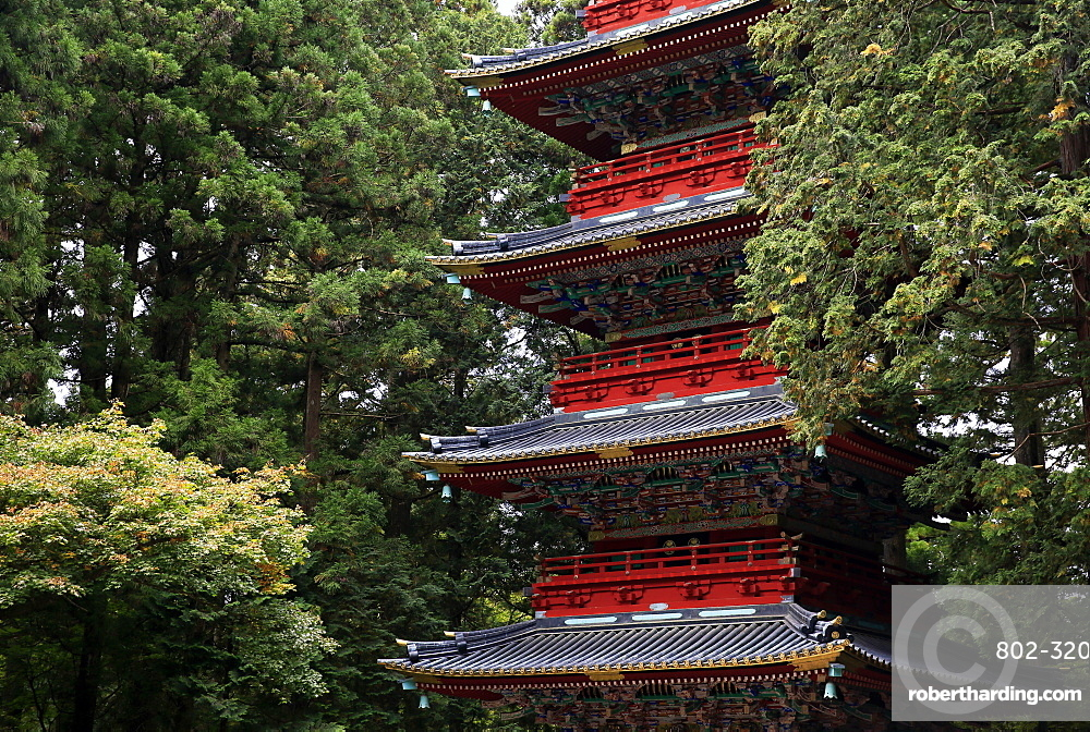 Pagoda outside the Tokugawa Mausoleum, Nikko, UNESCO World Heritage Site, Honshu, Japan, Asia