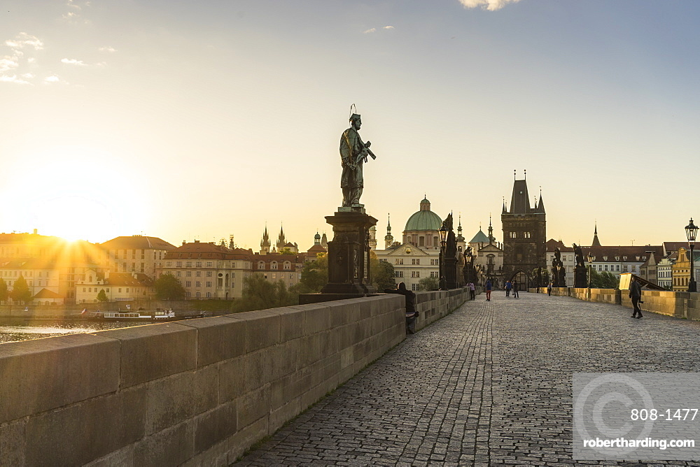 Charles Bridge, UNESCO World Heritage Site, Prague, Czech Republic, Europe