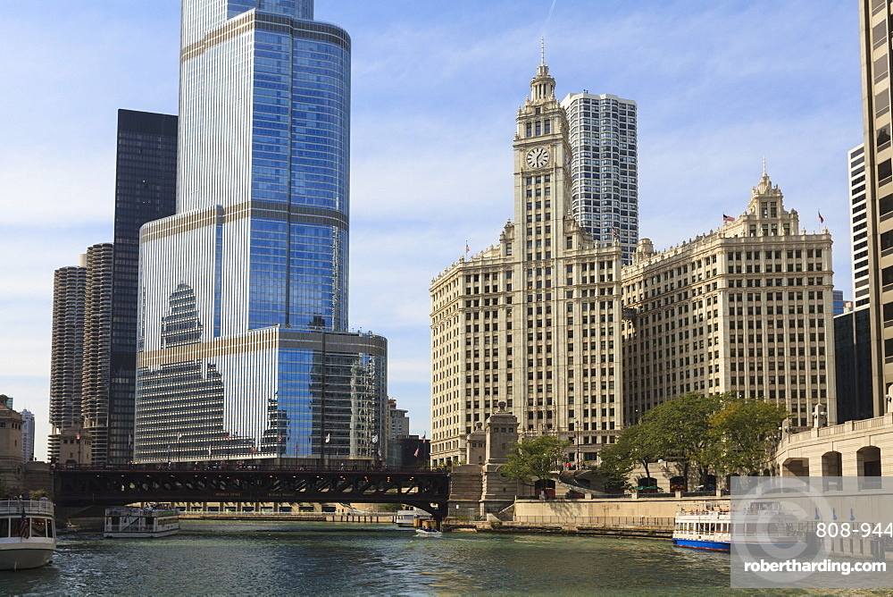 Trump Tower and the Wrigley Building by the Chicago River, Chicago, Illinois, United States of America, North America