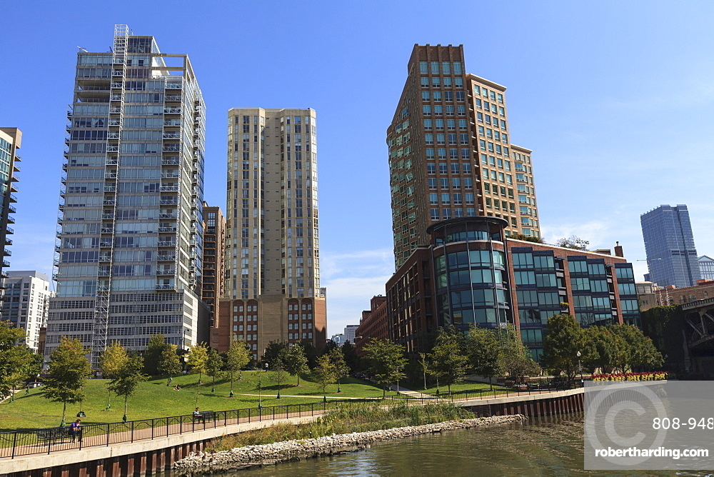 Expensive apartment buildings on the Chicago River, Chicago, Illinois, United States of America, North America