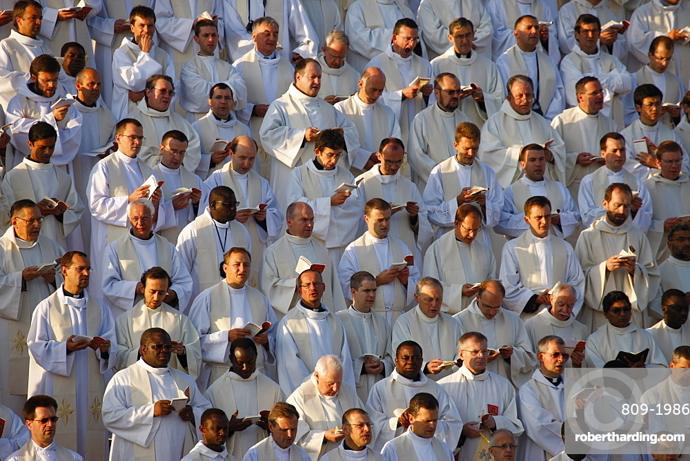 Priests and seminarists at Mass celebrated by Pope Benedict XVI, Paris, France, Europe