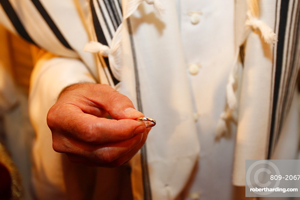 Jewish wedding ring, Neuilly-sur-Seine, Hauts-de-Seine, France, Europe