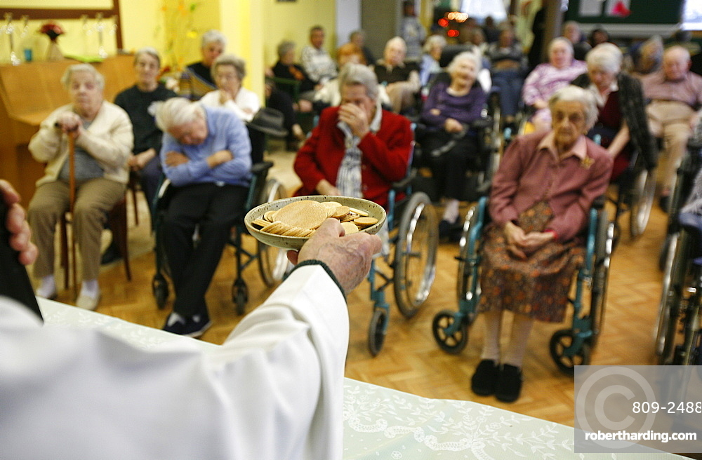Christmas celebration in an elderly persons' home, Cheddes, Haute Savoie, France, Europe