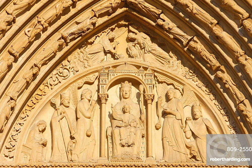 St. Anne's gate tympanum, west front, Notre Dame Cathedral, UNESCO World Heritage Site, Paris, France, Europe