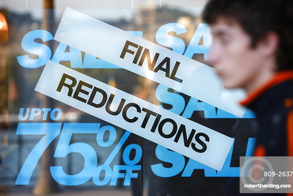 Final reductions in the Sales, Sydney, New South Wales, Australia, Pacific