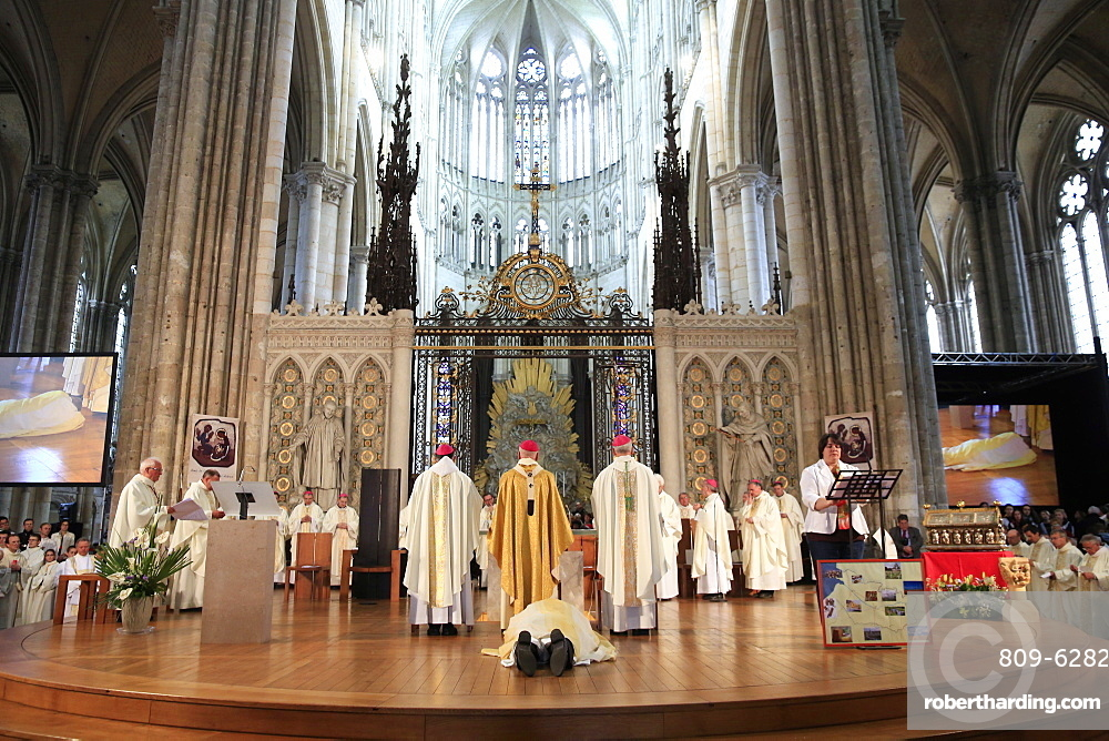 Bowing down, Litany of the Saints, Episcopal ordination, Amiens Cathedral, Somme, France, Europe