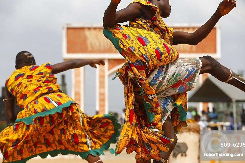 Devotees of Sag bata (Sakpata) the Voodoo god of death, disease and pestilence, dancing at the Ouidah Voodoo festival, Ouidah, Benin, West Africa, Africa