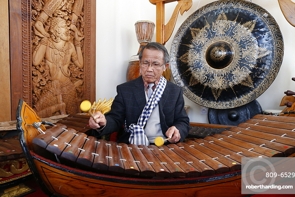 Laotian traditional music, xylophone Lanat, Wat Velouvanaram, Bussy St. George, Seine et Marne, France, Europe