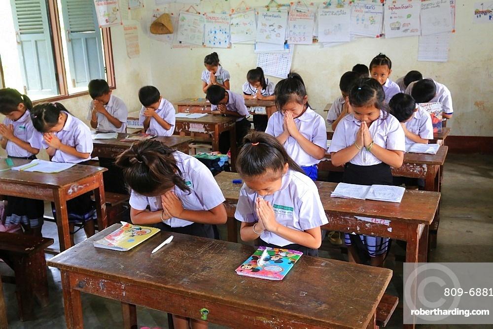 Schoolchildren in classroom, Elementary School, Vieng Vang, Laos, Indochina, Southeast Asia, Asia