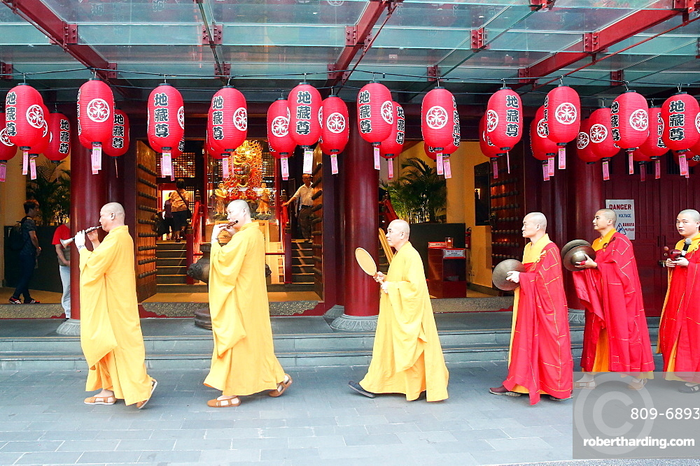 Ullambana ceremony, Buddhist monks' procession, Buddha Tooth Relic Temple, Chinatown, Singapore, Southeast Asia, Asia