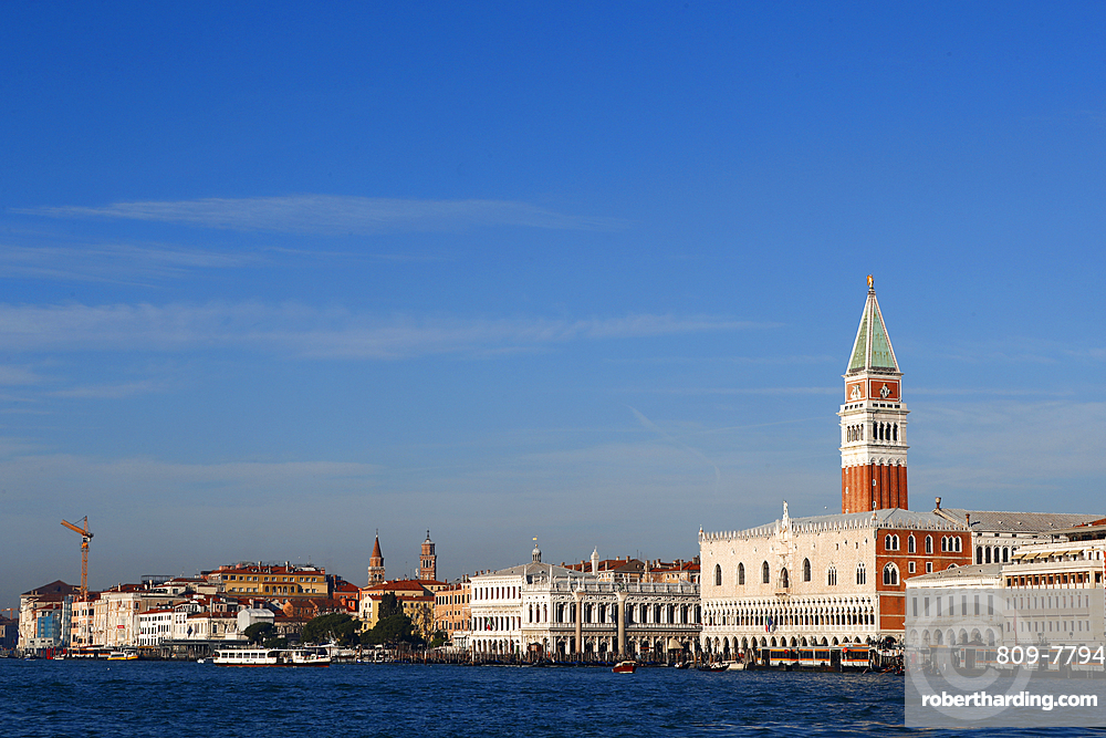 Palazzo Ducale (Doges Palace) and San Marco Square, Venice, UNESCO World Heritage Site, Veneto, Italy, Europe