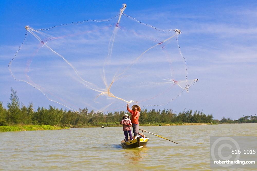 Traditional fishing, Hoi An, Vietnam, Indochina, Southeast Asia, Asia