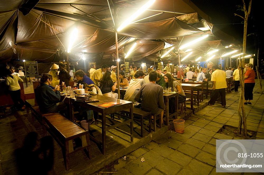 Night shot of food stalls, Hoi An, Vietnam, Indochina, Southeast Asia, Asia