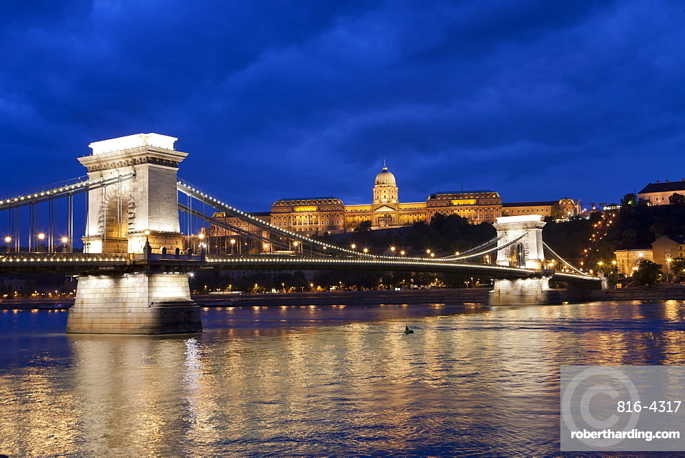 The Chain Bridge across the River Danube at night, Budapest, Hungary, Europe