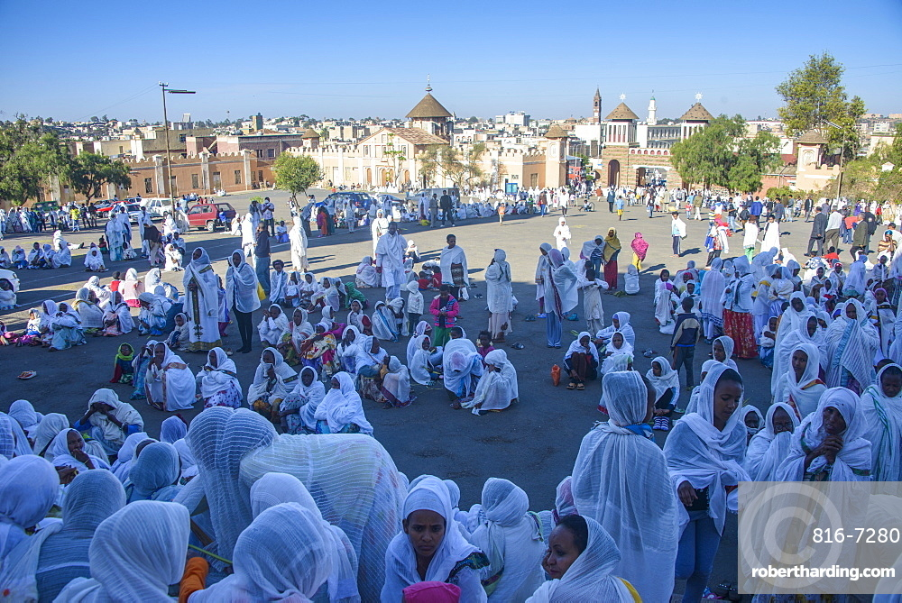 Orthodox women praying at the Easter ceremony, Coptic Cathedral of t. Mariam, Asmara, capital of Eritrea, Africa