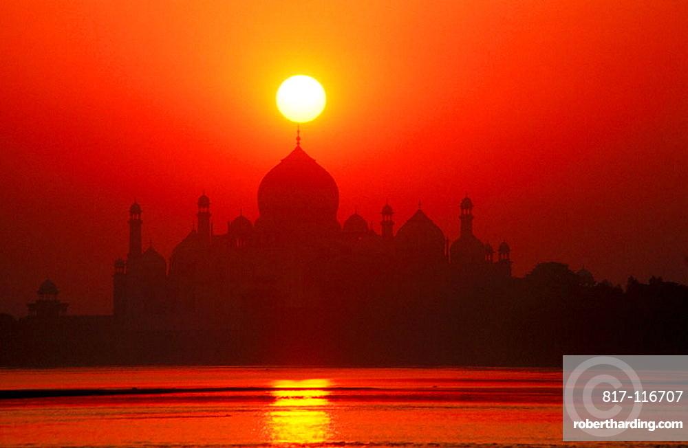 Taj Mahal at dawn, from Jumna riverbank, Agra, India