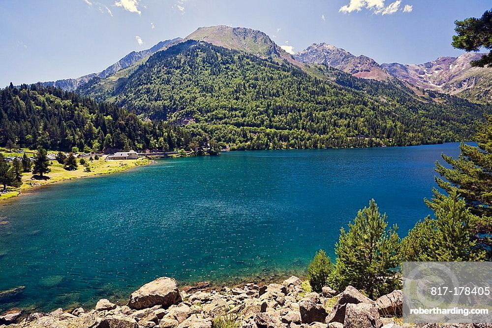 Lago Oredon Reserva Natural de Neouvielle Pirineo frances Francia Europa